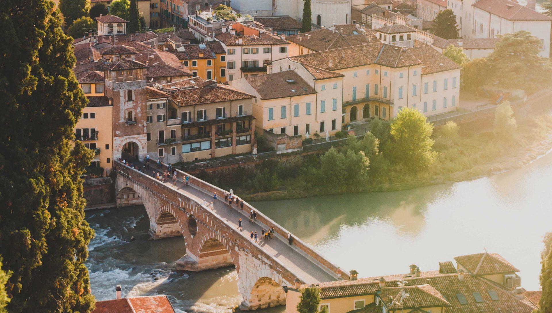 Ponte Pietra a Verona visto dall'alto